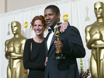 Julia Roberts y Denzel Washington en 2002