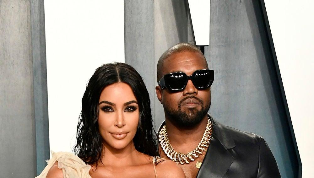 Kanye West carga contra Kim Kardashian y Kris Jenner