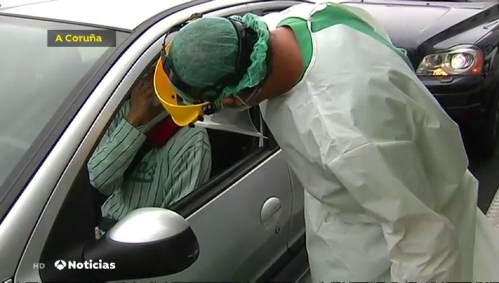 Pruebas de coronavirus en el coche