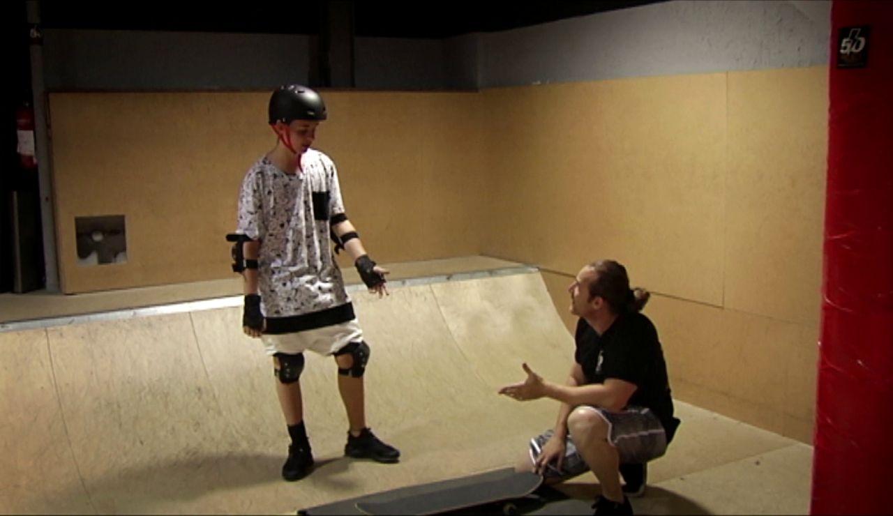 Los miedos se apoderan de Adrián cuando se sube a un skate después de mucho tiempo