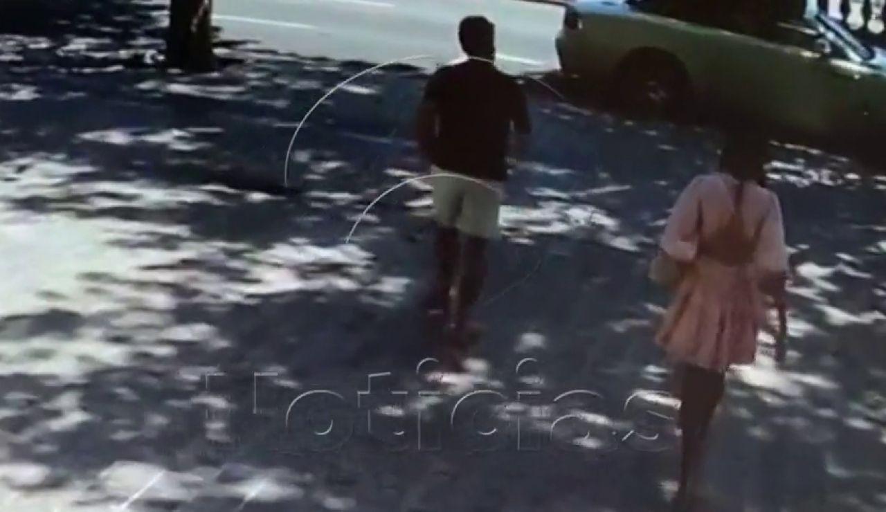 El vídeo del intento de robo a tres brasileños que queda en arañazos y contusiones