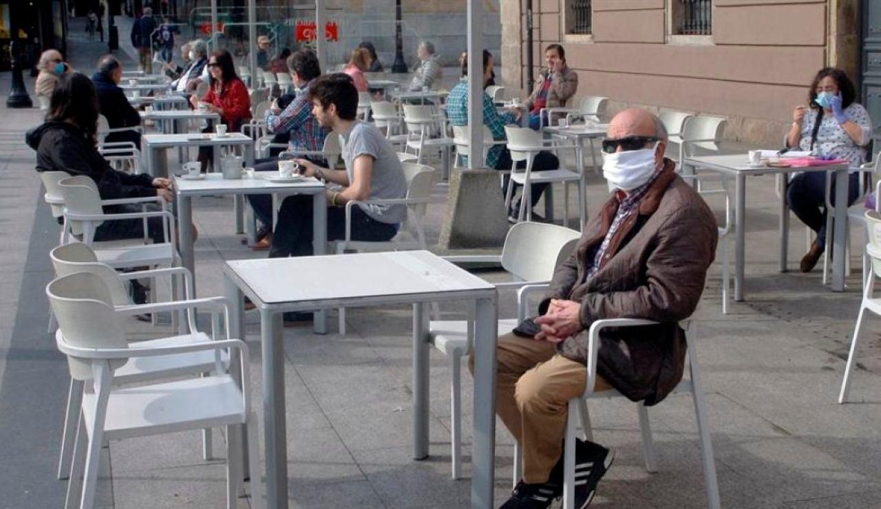 A3 Noticias 2 (12-08-20) Galicia prohibirá fumar en la calle para evitar la expansión del coronavirus