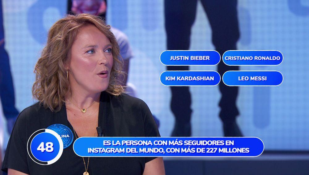 ¿Justin Bieber o Cristiano Ronaldo? Las dudas se apoderan de Carolina Ferre en 'Una de Cuatro'