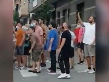Una revuelta vecinal en Sant Joan Despí, Barcelona, consigue desalojar a unos okupas
