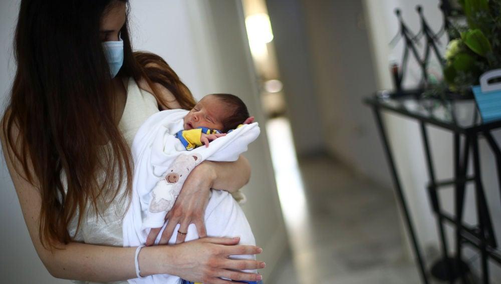 Nace un bebé durante la explosión en Beirut