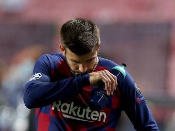 """La rajada de Piqué tras la goleada ante el Bayern: """"Vergüenza es la palabra, hemos tocado fondo, me ofrezco para irme"""""""