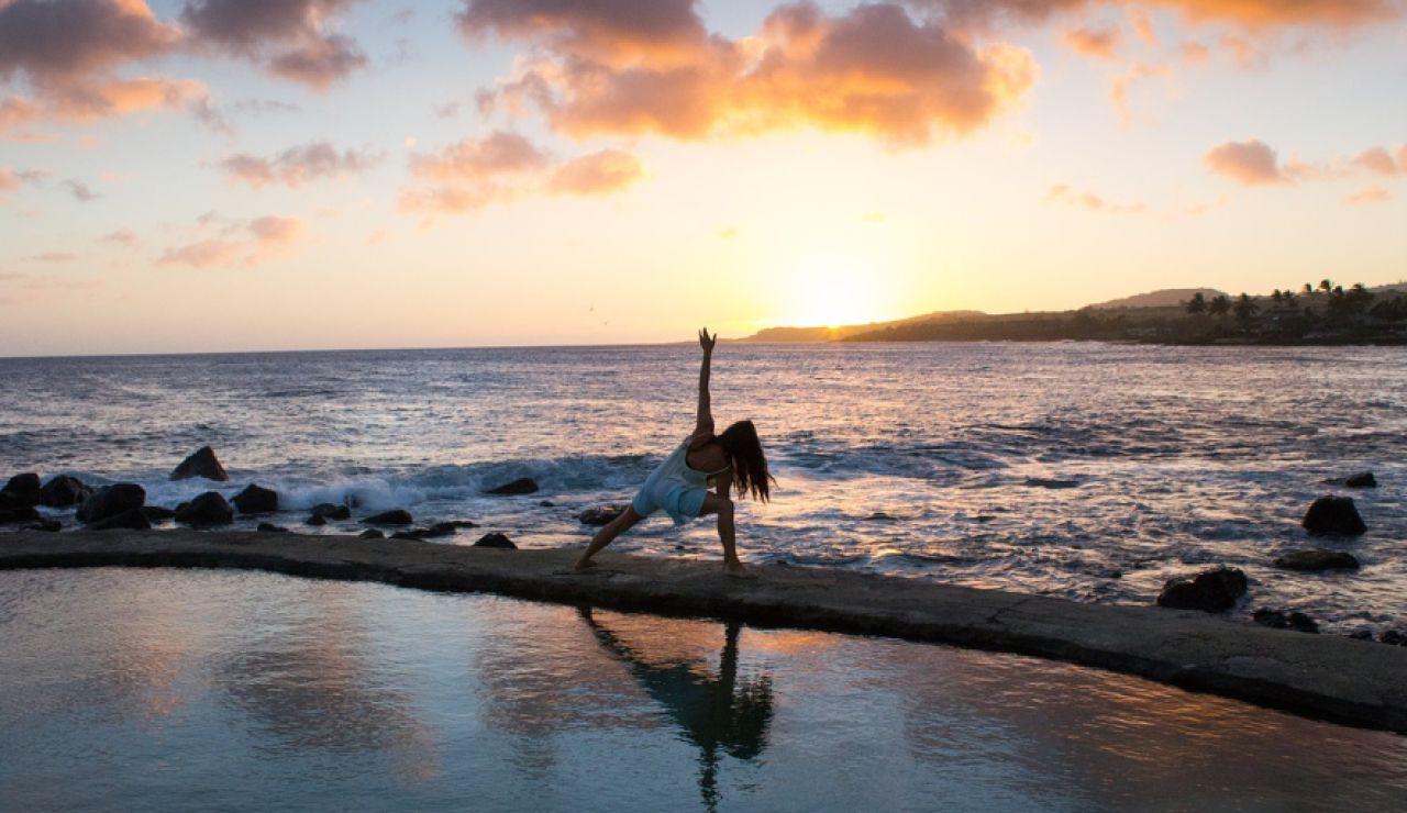 Ejercicios fáciles para hacer en la playa o la piscina para adelgazar en vacaciones