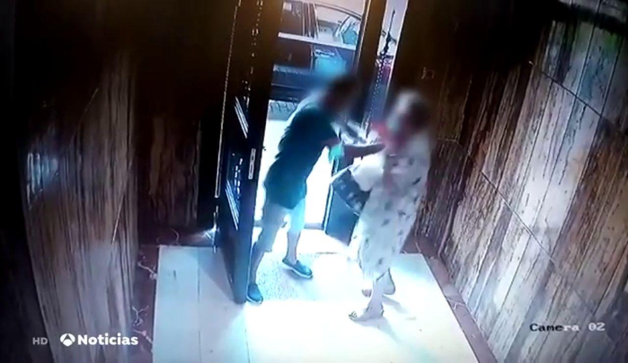 La brutal agresión de un ladrón a una anciana en Valencia