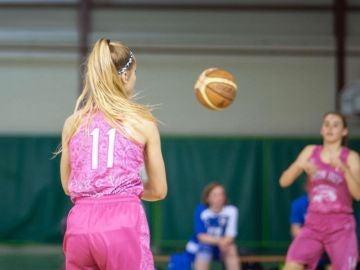 Elia Fontaine, en un partido de baloncesto