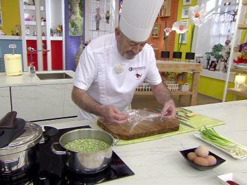 El truco de Karlos Arguiñano para hacer un 'huevo flor' perfecto