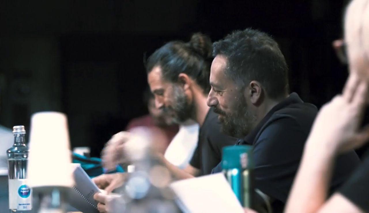 Protagonistas y nuevas incorporaciones de 'Los hombres de Paco' se reencuentran antes del rodaje de la nueva temporada
