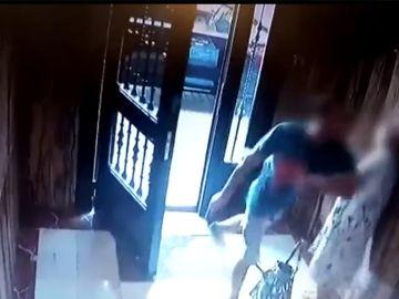 Una anciana es atracada y robada en Valencia