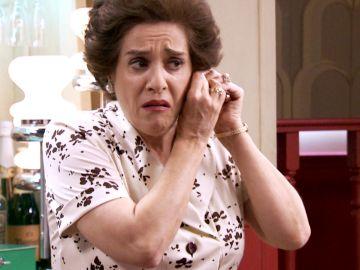 Avance 'Amar es para siempre': Benigna, desesperada por encontrar un comprador y mantener su regalo a Luisita y Amelia