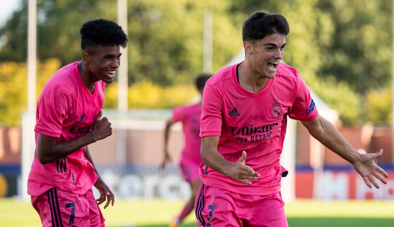 Miguel Gutierrez celebra un gol del Real Madrid