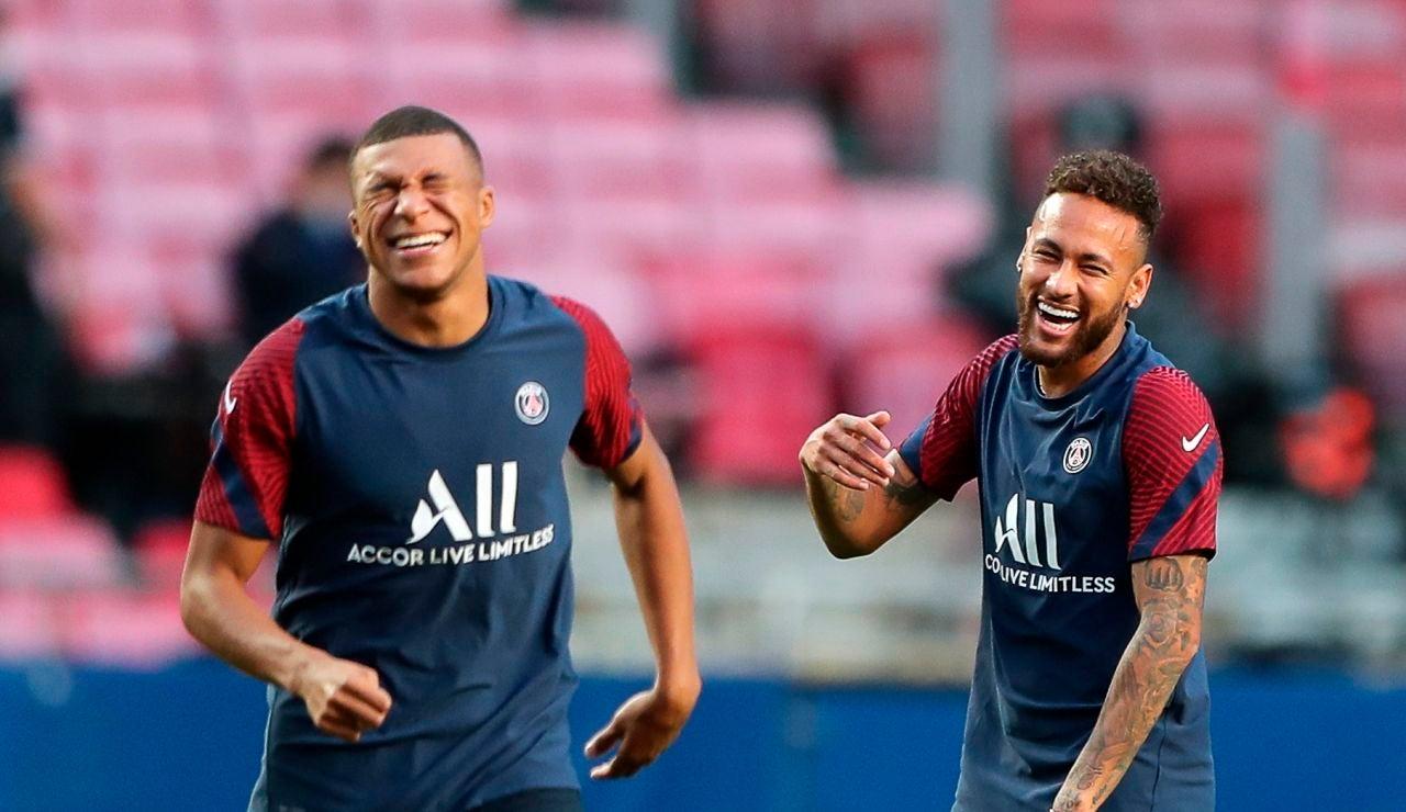 Mbappé bromea con Neymar