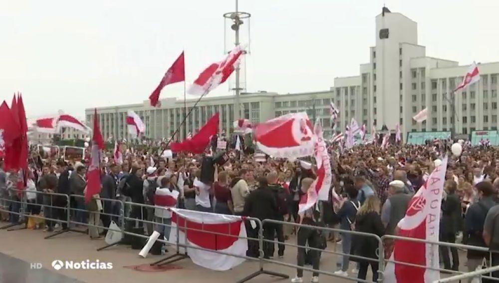 Una marea de manifestantes recorre las calles de Bielorrusia en una nueva protesta contra Alexandr Lukashenko