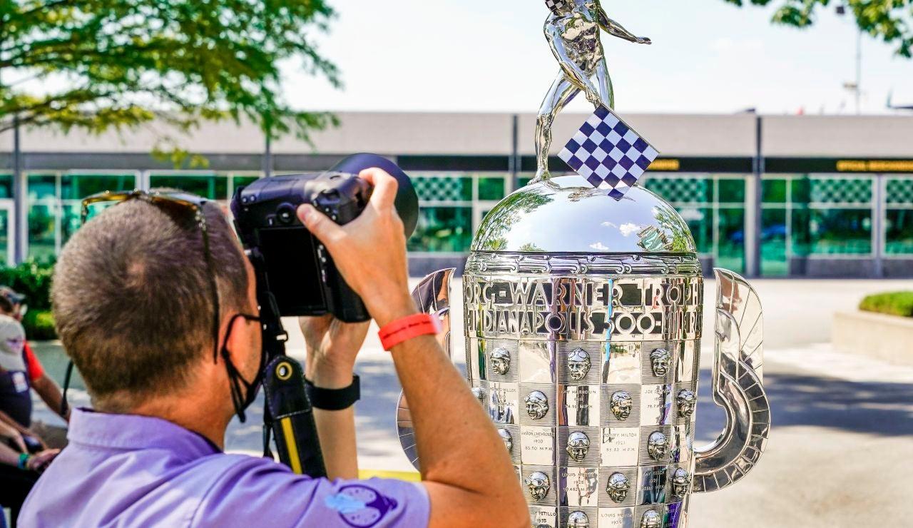 El trofeo de las 500 Millas de Indianápolis