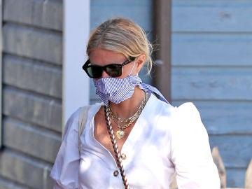 Gwyneth Paltrow luciendo un look de lo más casual