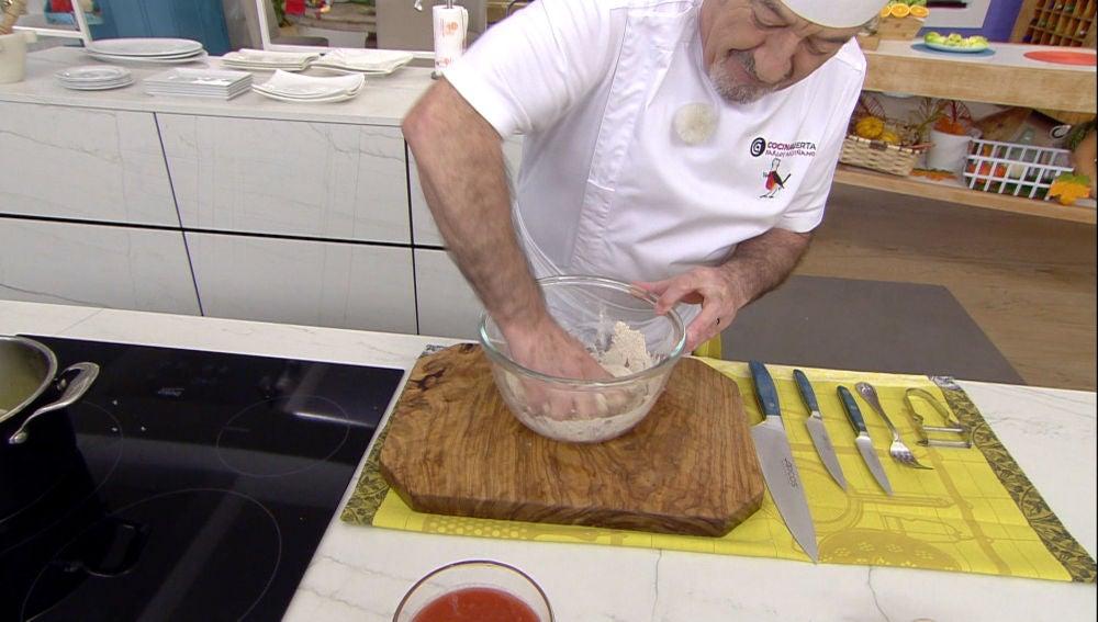 Karlos Arguiñano nos enseña a hacer una masa de espelta perfecta para hacer pizzas en casa