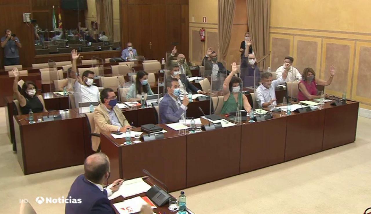 El Parlamento andaluz rechaza el decreto de medidas urgentes contra el coronavirus del Gobierno autonómico.