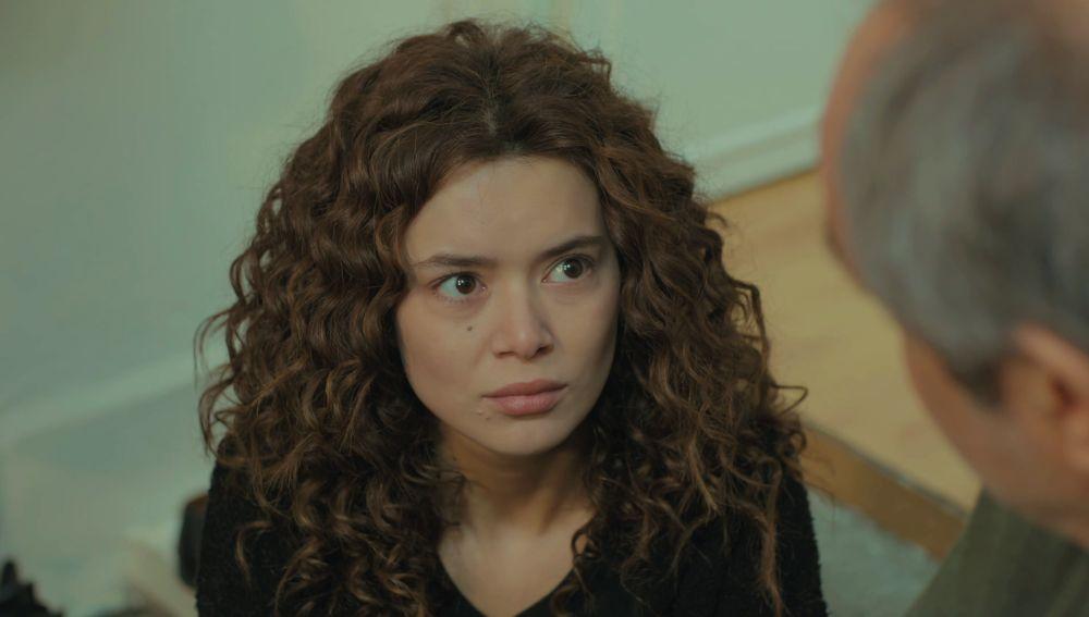 """Enver, a Sirin: """"Has destruido mi fe en esta familia"""""""