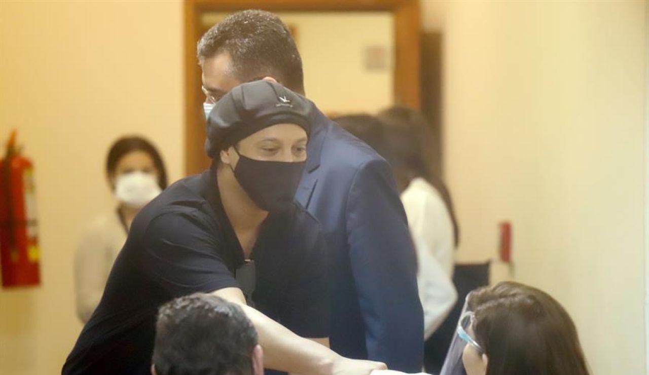 Ronaldinho queda en libertad tras seis meses detenido en Paraguay y podrá volver a Brasil