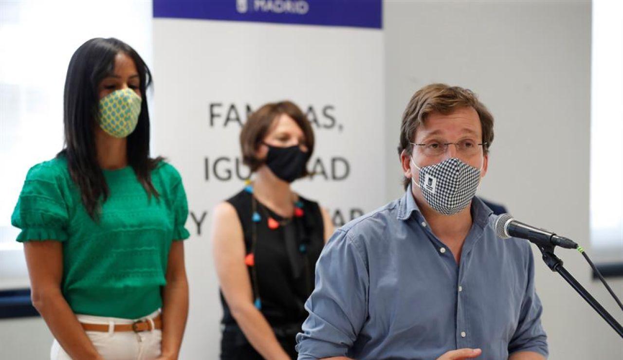 Almeida recomienda no salir a la calle a los vecinos de los barrios del sur de Madrid