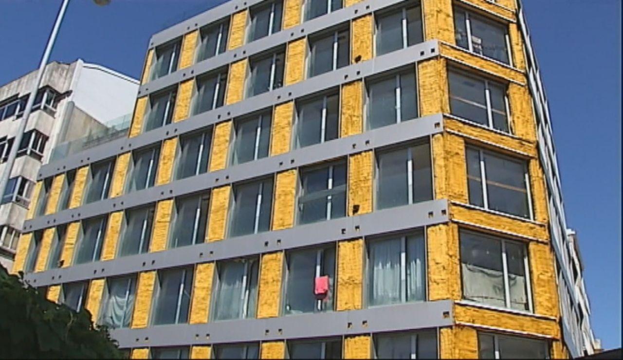 Unos okupas invaden un edificio de seis plantas en Vigo y realquilan las viviendas a personas sintecho