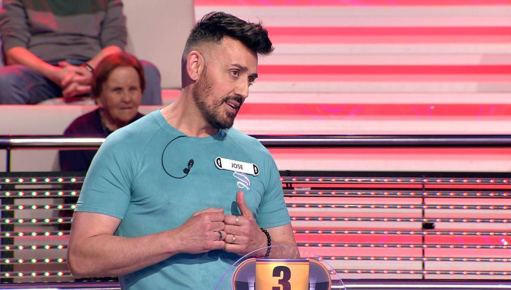 Jose, el pintor bailarín: da una clase magistral de salsa a Arturo Valls en '¡Ahora caigo!'
