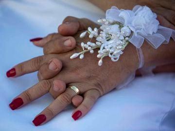 La Policía desaloja un restaurante de Valladolid una boda por incumplimiento de las medidas sociales.