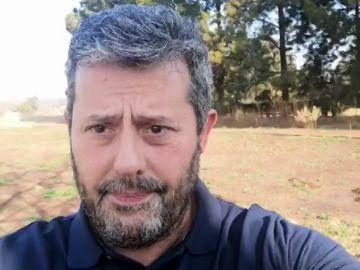"""Uno de los voluntarios de Sudáfrica en recibir la vacuna de Oxford llama a la calma: """"Es solo un solo caso de los 30.000"""""""
