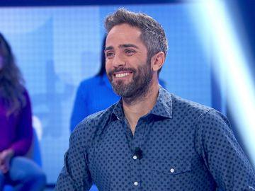 """""""¡Qué bonito!"""", Luis sorprende a Roberto Leal con un sencillo gesto en 'Pasapalabra'"""