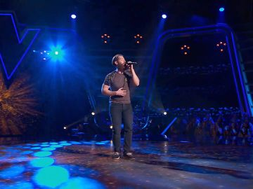 Guillem Gené canta 'Something in the way she moves' en las Audiciones a ciegas de 'La Voz'