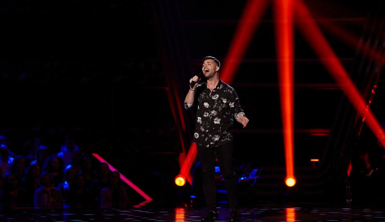 Francisco Cuenca canta 'Por debajo de la mesa' en las 'Audiciones a Ciegas' de 'La Voz'