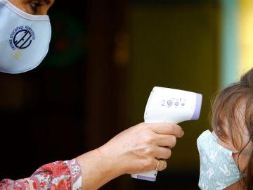 Una niña que fue a clase mientras esperaba resultado PCR pone en cuarentena a toda su clase en Carabanchel