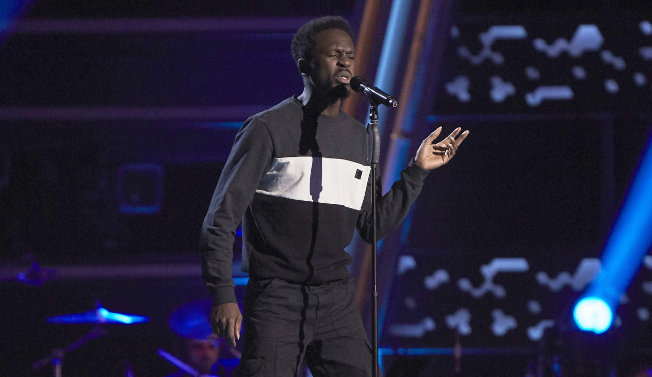 Kelly canta 'Roxanne' en las Audiciones a Ciegas de 'La Voz'