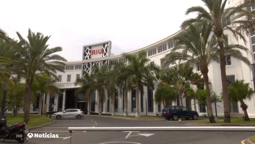 Riu cierra ocho de sus doce hoteles en Canarias ante la falta de turistas por el coronavirus