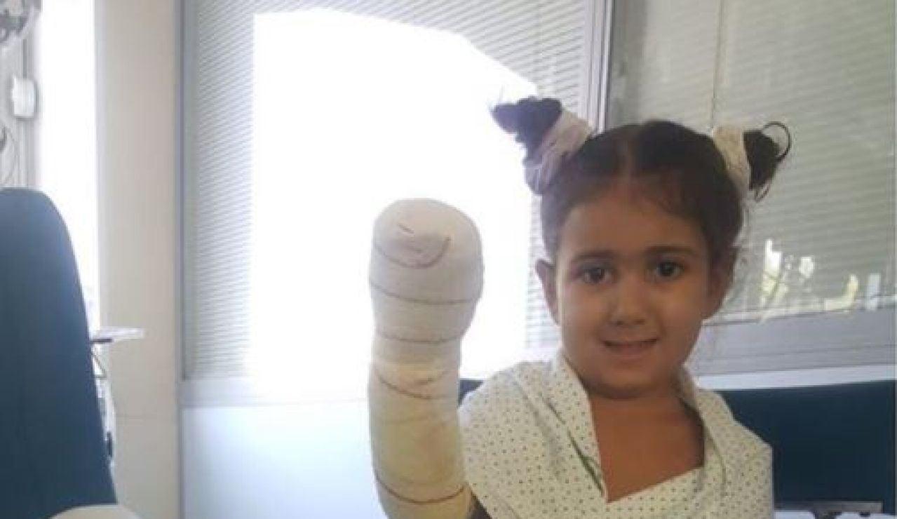 Carlota, una niña de 4 años de Málaga, pide ayuda para no perder sus extremidades por una isquemia