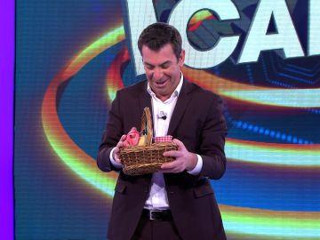 Los exigentes deseos de Arturo Valls se hacen realidad en el plató de '¡Ahora Caigo!'