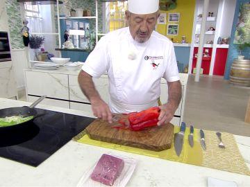 Cómo pelar rápidamente un pimiento rojo: El truco de Karlos Arguiñano