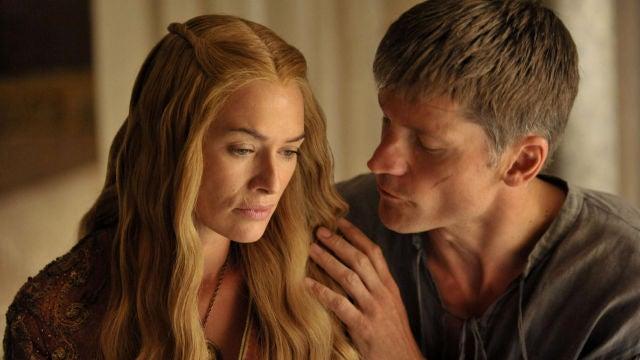 Nikolaj Coster-Waldau y Lena Headey como Cersei y Jamie Lannister en 'Juego de Tronos'