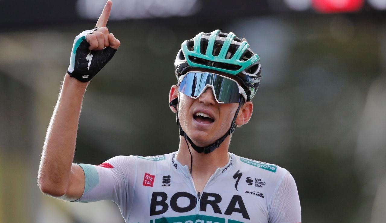 Lennard Kamna celebra su victoria en la etapa 16 del Tour de Francia