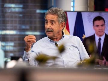 """""""Me ha dolido"""": Miguel Ángel Revilla reconoce los motivos por los que está """"cabreado"""" con Pedro Sánchez"""