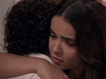 La emotiva despedida de Inma y Manolín
