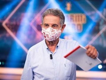 Miguel Ángel Revilla, nuevo invitado 'Infinity' de 'El Hormiguero 3.0': llega con mascarilla y cargado de regalos