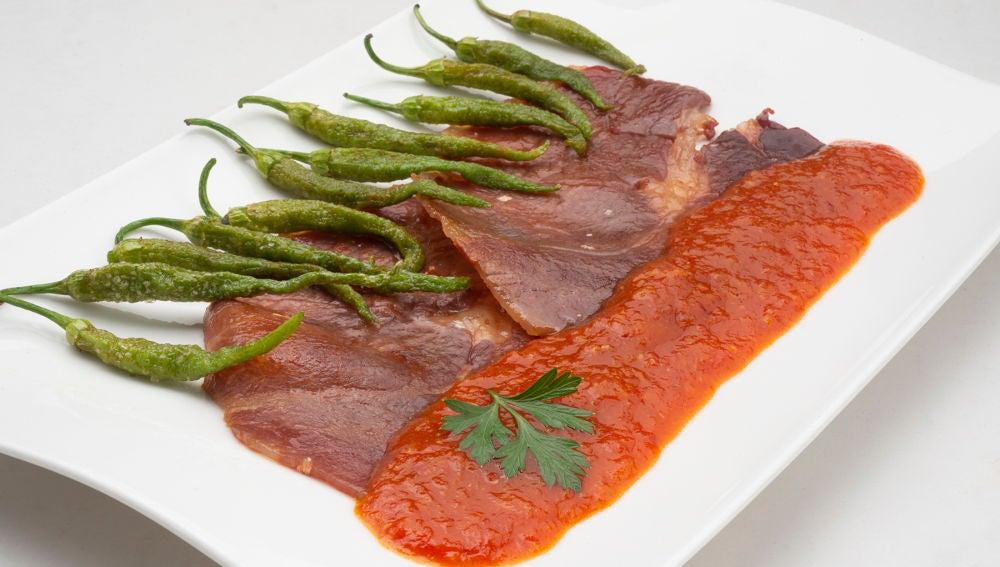 Receta de jamón con tomate y guindillas, de Karlos Arguiñano