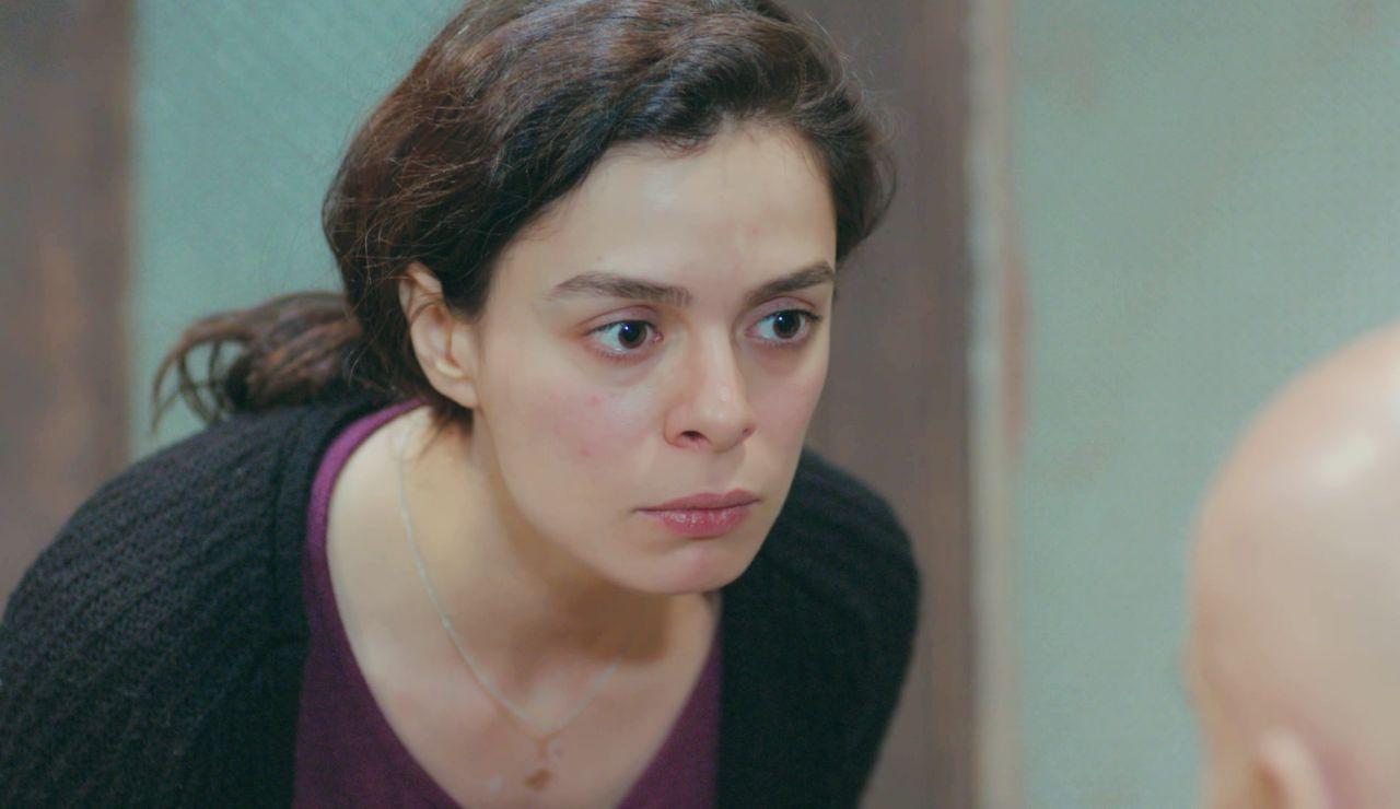 El valiente y aplaudido alegato feminista de Bahar contra los malos tratos en 'Mujer'