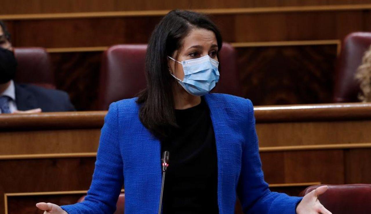 Inés Arrimadas se reúne con Carmen Calvo para hablar de Presupuestos