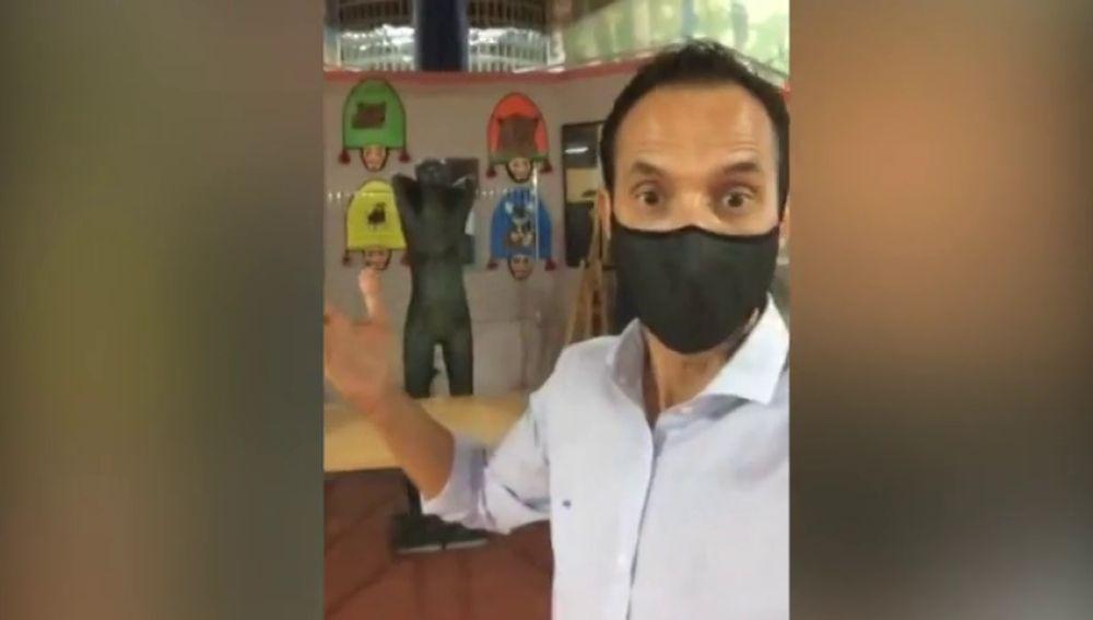 El director de un instituto de Santiago explica las novedades a través de Instagram
