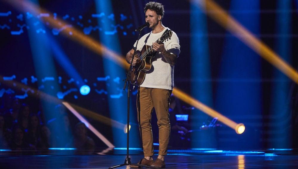 Tyler Faraday nos deja boquiabiertos cantando 'Just the two of us' en las Audiciones a ciegas de 'La Voz'